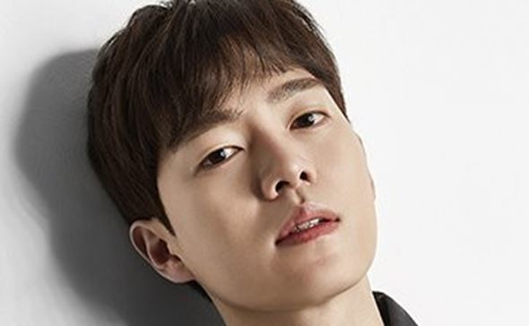 Arrest Warrant Issued For Actor Son Seung Won On Dui Charges