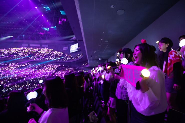 Japanese fans cheer during MAMA in Japan, the global Korean pop music awards ceremony, held at Saitama Japan Saitama Super Arena in this Dec. 12 file photo. Courtesy of CJ ENM