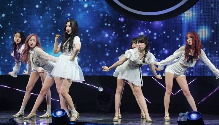Gfriend performs during a press showcase at Yes24 Live Hall in Gwangjin-gu, Seoul, in April 2018.