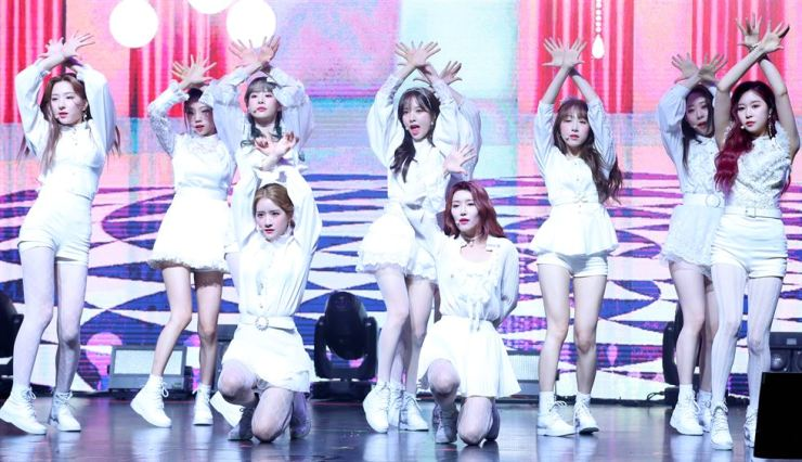 WJSN members perform during a press showcase for promoting their sixth mini-album 'WJ STAY?' held in Seoul, Tuesday. Yonhap