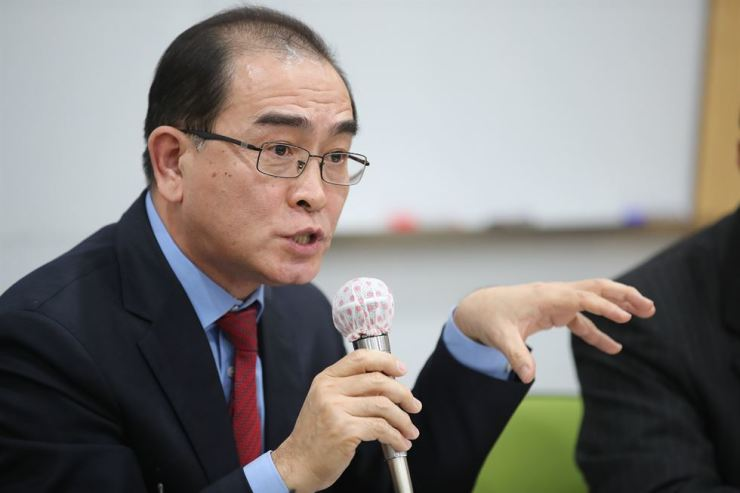 Former North Korean diplomat Thae Yong-ho speaks to reporters in Seoul, Jan. 9, 2019. He called on the governments of South Korea, Italy and the United States to make all-out efforts to protect his ex-colleague Jo Song-gil, the acting North Korean ambassador to Rome who has been in hiding in Italy since November. Yonhap