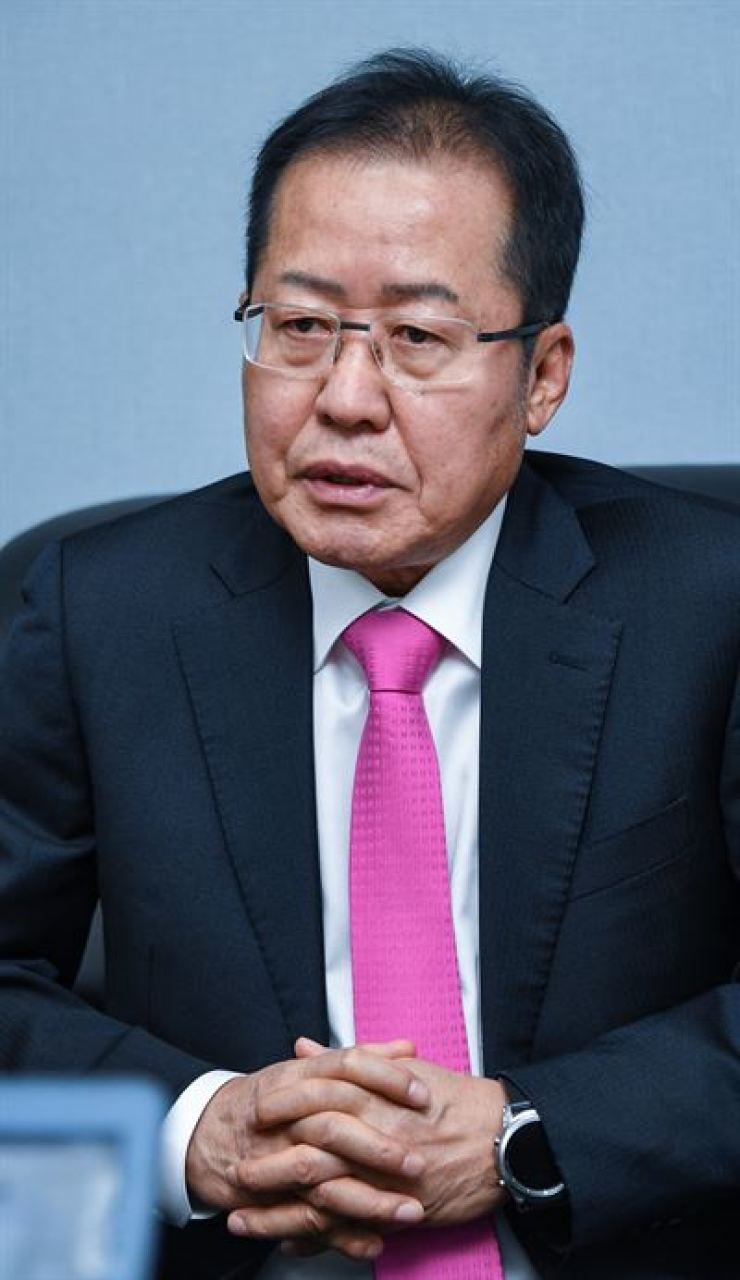 Hong Joon-pyo, former chairman of the main opposition Liberty Korea Party, speaks during an interview with Hankook Ilbo, the sister paper of The Korea Times, in Seoul, Feb. 4. / Korea Times file