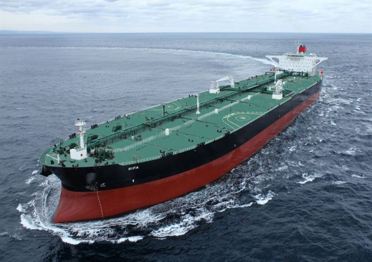 A very large crude-oil carrier manufactured by Hyundai Heavy Industries / Courtesy of Hyundai Heavy Industries
