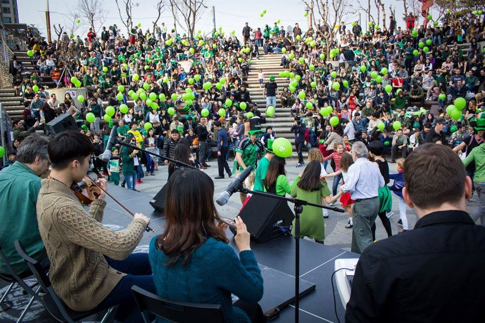 A previous St. Patrick's Day celebration in D-Cube Plaza at Sindorim Station / Courtesy of Irish Association of Korea