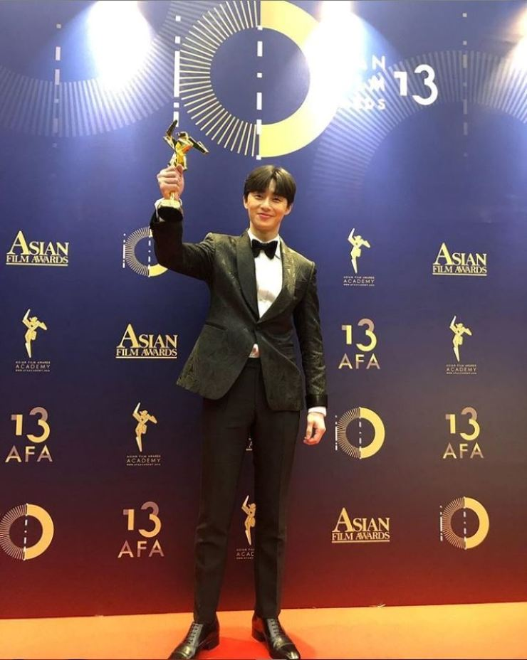 Actor Park Seo-joon won the Rising Star of Asia Award from 13th Asian Film Awards (AFA), Sunday. This is the picture he posted on Instagram.
