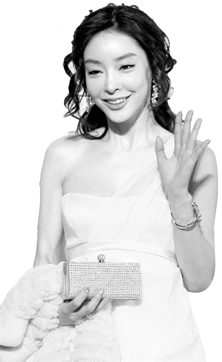 Actress Jang Ja-yeon committed suicide on March 9, 2009. / Korea Times file