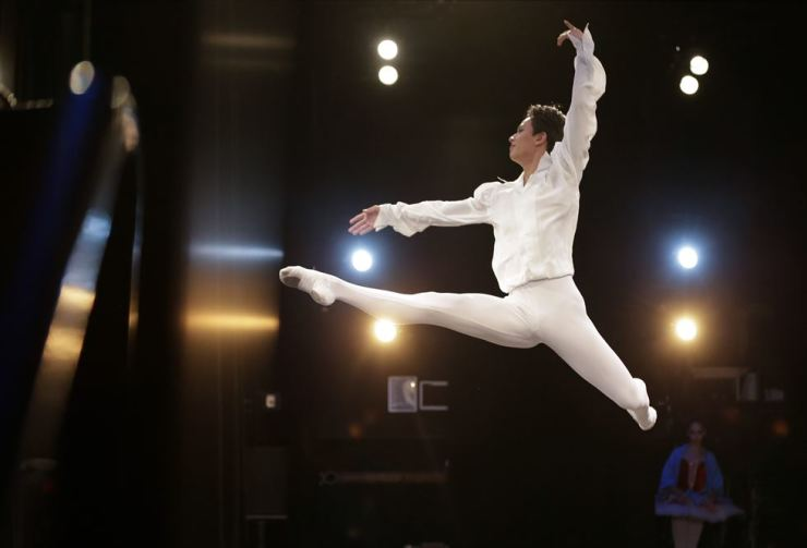 Ryu Seong-woo of South Korea performs at the 8th annual Valentina Kozlova International Ballet Competition at Symphony Space in New York City, Saturday. UPI-Yonhap