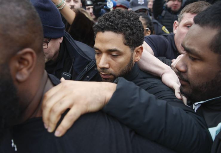 In this Feb. 21, 2019 file photo, 'Empire' actor Jussie Smollett leaves Cook County jail in Chicago following his release. AP-Yonhap