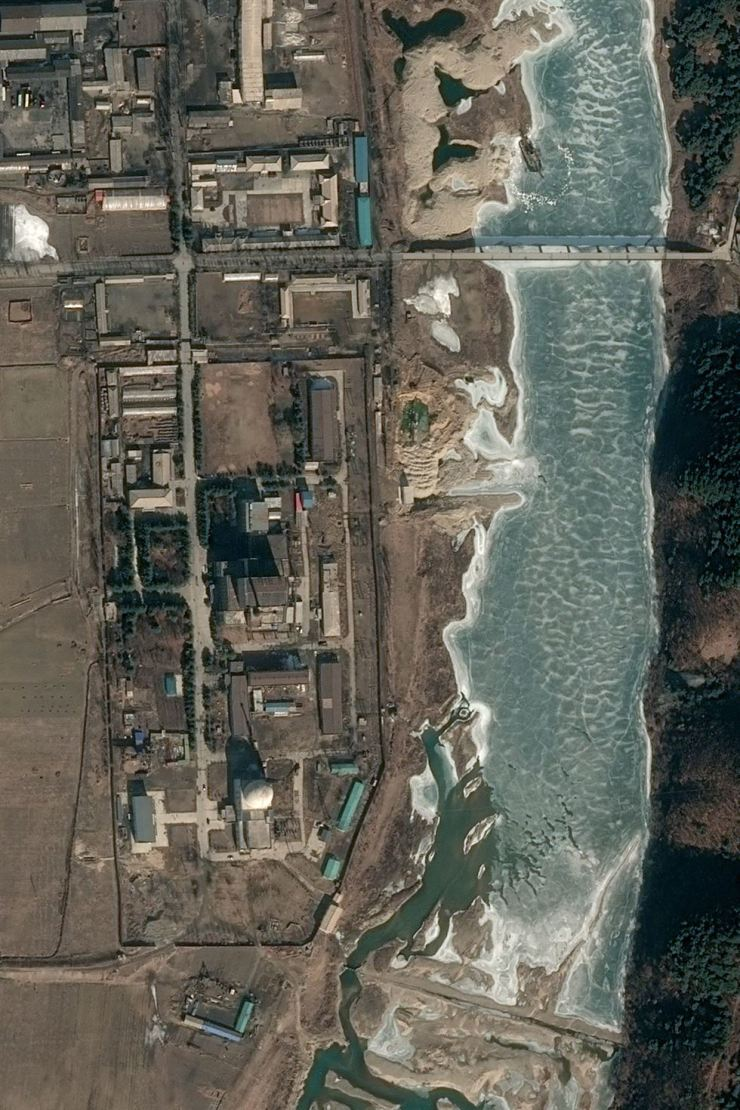 This handout satellite image taken on Feb. 21 and released to AFP by Pleiades, Cnes 2019, Distribution Airbus DS on Feb. 28 shows the 5 MWe reactor at North Korea's Yongbyon Nuclear Scientific Research Center showing no signs of activity. / AFP-Yonhap