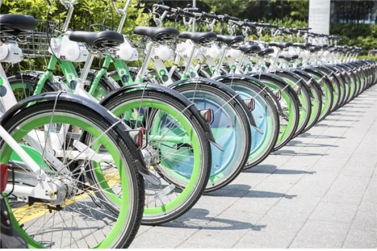 There are things to be done for better bicycle-sharing services for all. Korea Times file