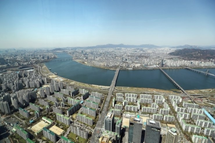 A view of Seoul from the Lotte World Tower in Jamsil, southeastern Seoul. Yonhap