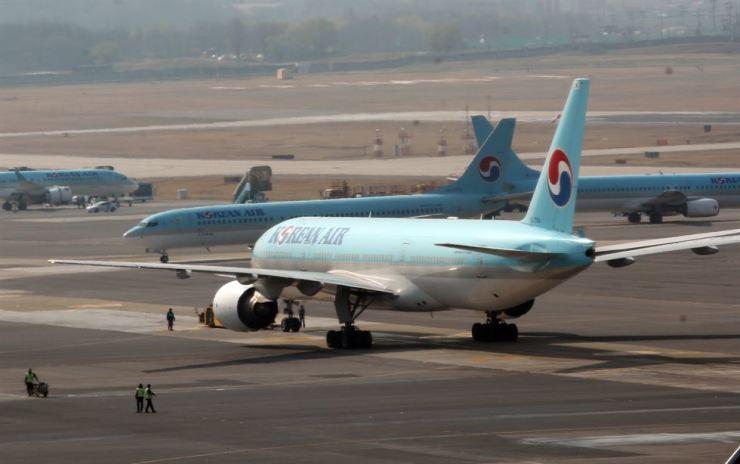 Jeju-bound Korean Air flight returns to Seoul due to bird strike