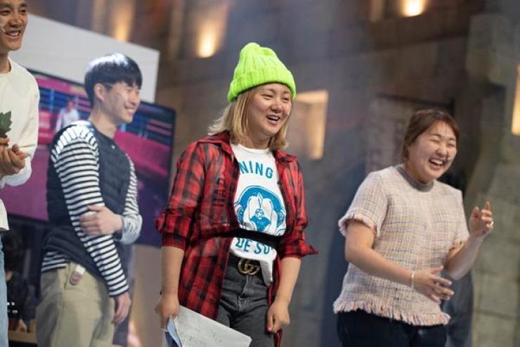 Comedian Park Na-rae performs during the rehearsal. 방송인 박나래가 리허설에서 공연하고 있다. /Korea Times photo