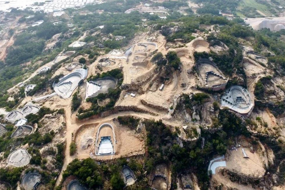Authorities in Fuzhou have ordered the demolition of hundreds of burial sites built without permission. Photo from South China Morning Post