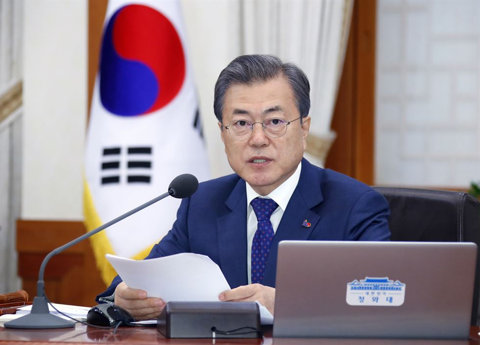 Kim Hyun-chong, deputy chief of the presidential office's security council speaks in a press conference for specifics of President Moon Jae-in's visit to Washington D.C. for his summit with U.S. President Donald Trump on North Korean nuclear issues at Cheong Wa Dae, Tuesday. Yonhap