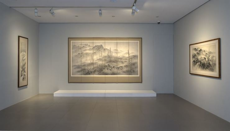 Works of the late Korean artist Lee Sang-beom (1897-1972), also known as Cheongjeon, including 'Returning at Dawn,' center, are on view at Hyundai Hwarang in central Seoul. Courtesy of Gallery Hyundai