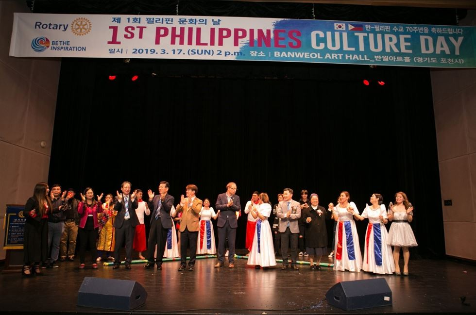 To celebrate the 70th anniversary of diplomacy between South Korea and the Philippines this year, Nash Ang has been busily organizing cultural get-togethers in Korea, including Korea's first Filipino film festival. Korea Times photo by Choi Won-suk