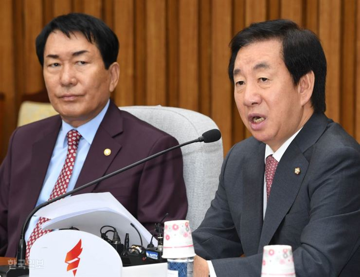 Rep. Kim Sung-tae of the main opposition Liberty Korea Party speaks at a meeting at the National Assembly, Yeouido, Seoul, in this October photo. / Korea Times file