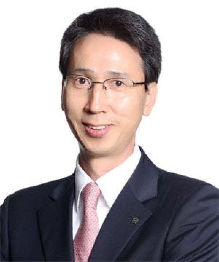 E-mart CEO Lee Gap-su
