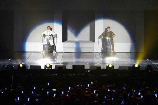 Super Junior-D&E perform during their gig. Courtesy of Label SJ