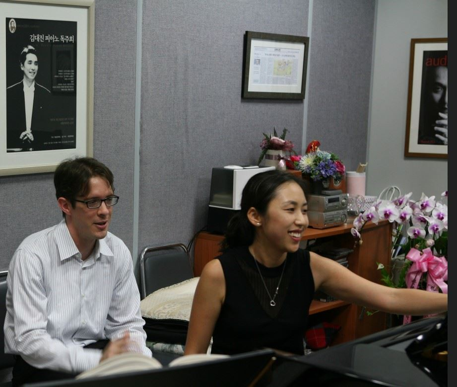 Duo-pianists Sylvia Hong and Michael Rector / Courtesy of Michael Rector