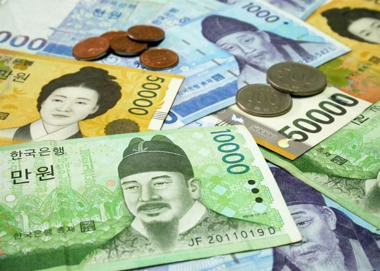 The Korean won is suffering a fall in value against major currencies, including the U.S. dollar. gettyimagesbank