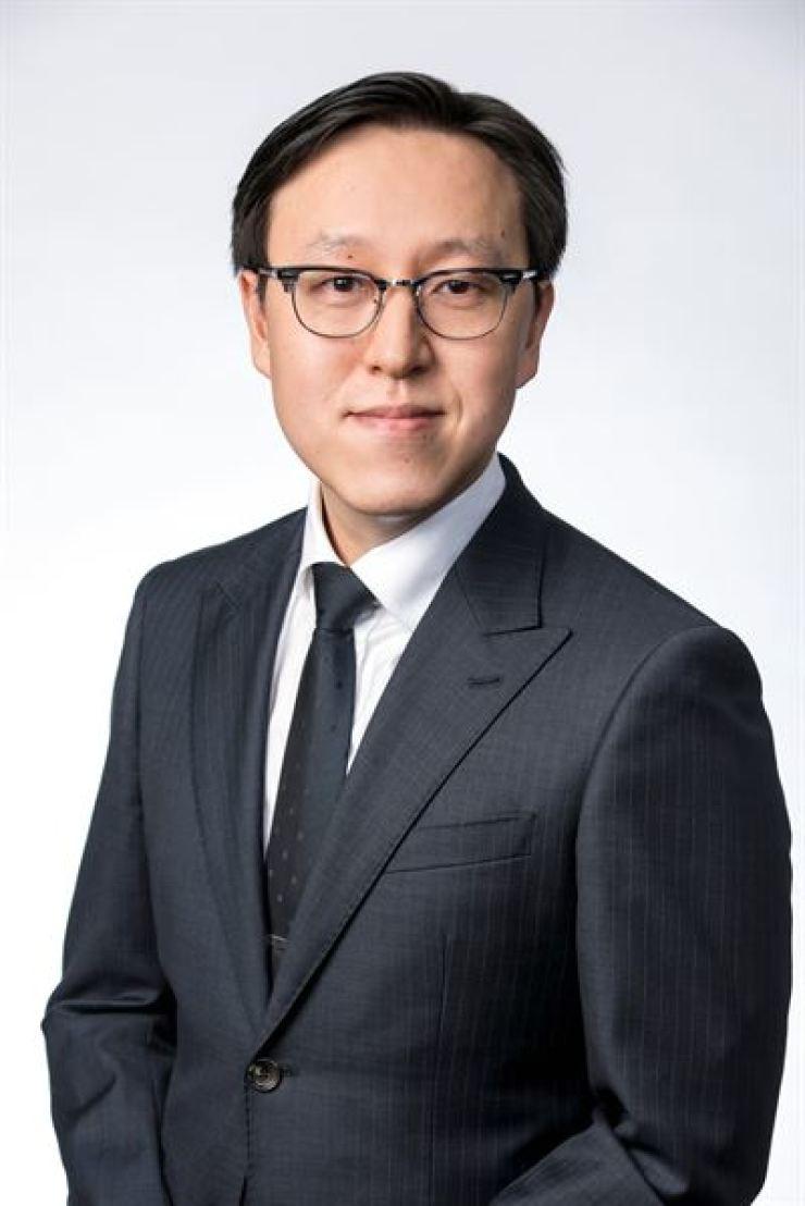 Xu Xiao Chun of Moody's Analytics