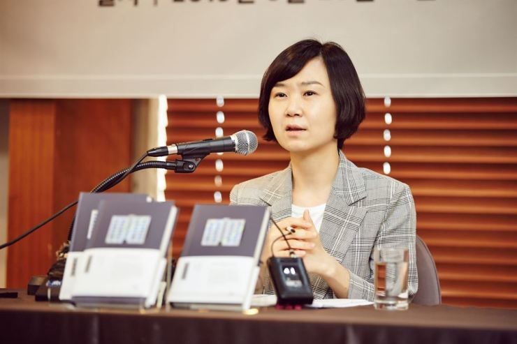 Cho Nam-ju, author of the international best-seller 'Kim Ji-young Born in 1982,' speaks during a news conference for new book 'Sakha Mansion' at the Press Center in Seoul, Tuesday. / Courtesy of Minumsa Publishing Group
