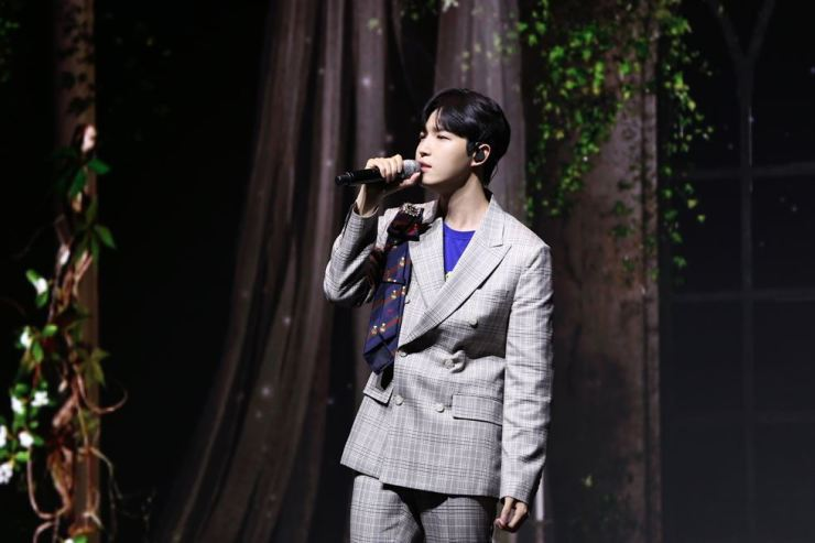 Singer Kim Jae-hwan performs during the press event on Monday at the YES24 Live Hall in Gwangjin-gu, Seoul. Courtesy of Swing Entertainment