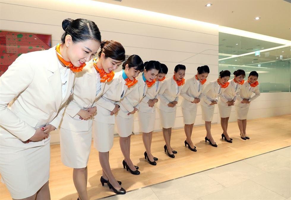 Jeju Air, T'way Air Recruit Vietnamese Flight Attendants
