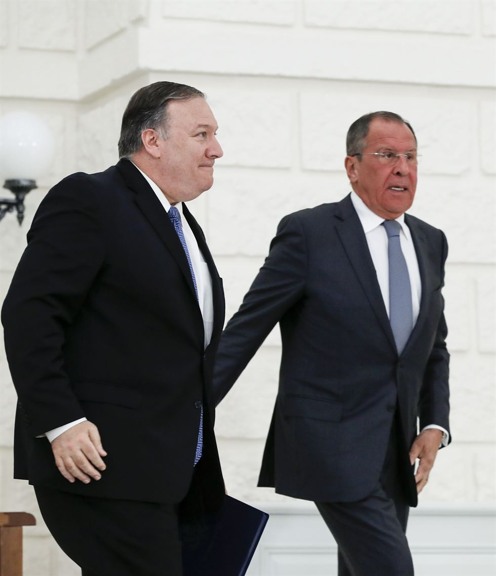 U.S. Secretary of State Mike Pompeo, left, and Russian Foreign Minister Sergey Lavrov attend a joint news conference after their talks in the Black Sea resort city of Sochi, southern Russia, Tuesday, May 14, 2019. AP-Yonhap