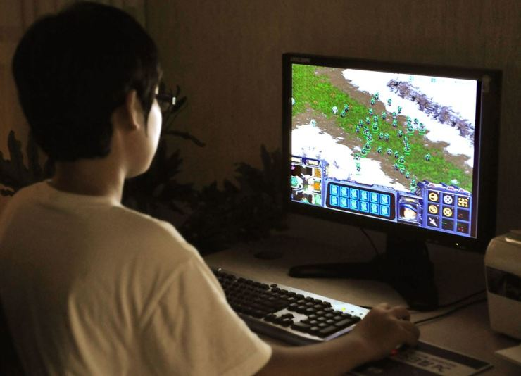 The World Health Organization has decided to go forward with a proposal that recognizes 'gaming disorder' as an illness. Korea Times file