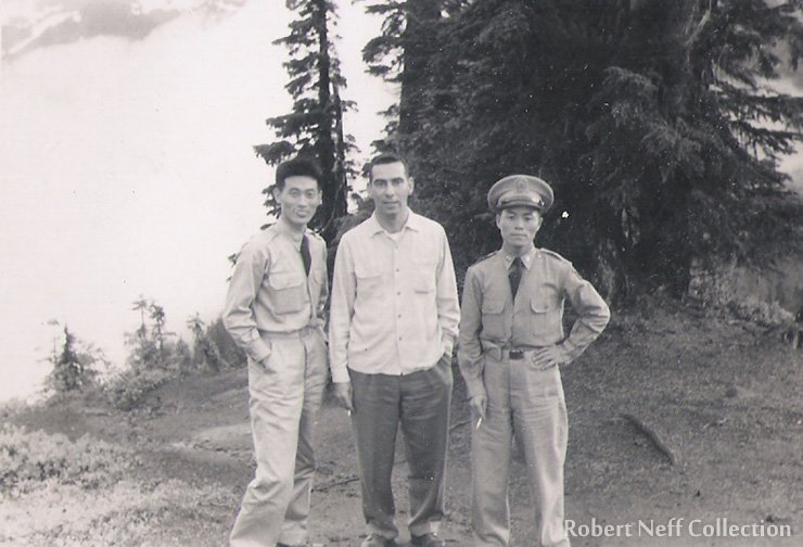 Fred Dustin and two Korean service members in the 1950s.