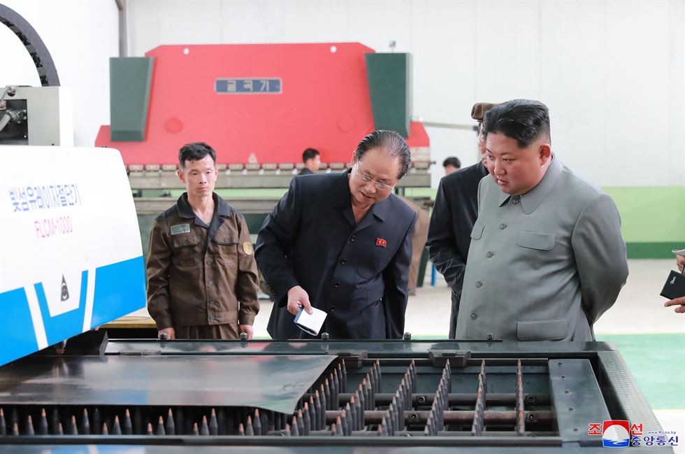 North Korean leader Kim Jong-un visits the Phyongnam General Machine Plant, according to a Korean Central News Agency report on Saturday. Yonhap