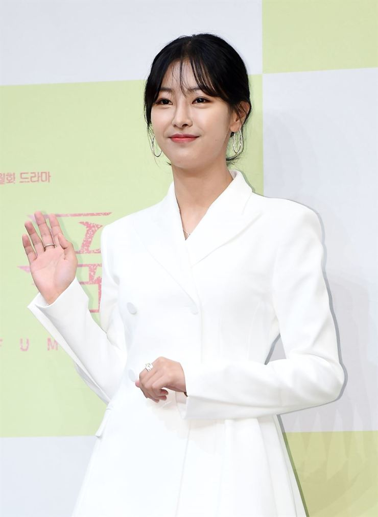 Go Won-hee at a pre-show press conference for 'Perfume' on KBS at Ramada Seoul Sindorim, in Seoul's Guro District, June 3. Korea Times file