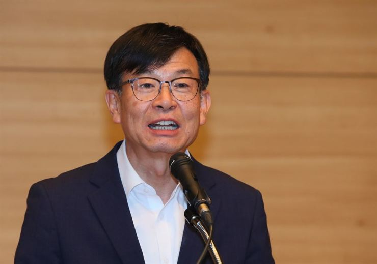 Kim Sang-jo, new chief policy secretary of President Moon Jae-in. Yonhap