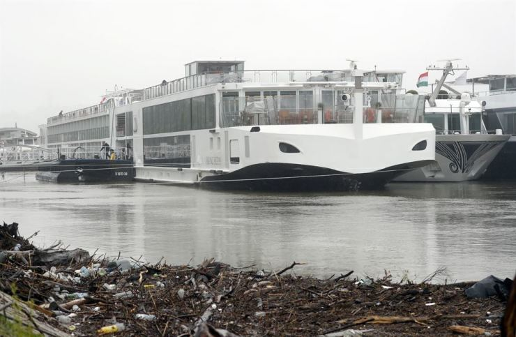 The Viking Sigyn ship is moored after the collision with the sightseeing boat Hableany in Budapest, Hungary, May 30. AP-Yonhap