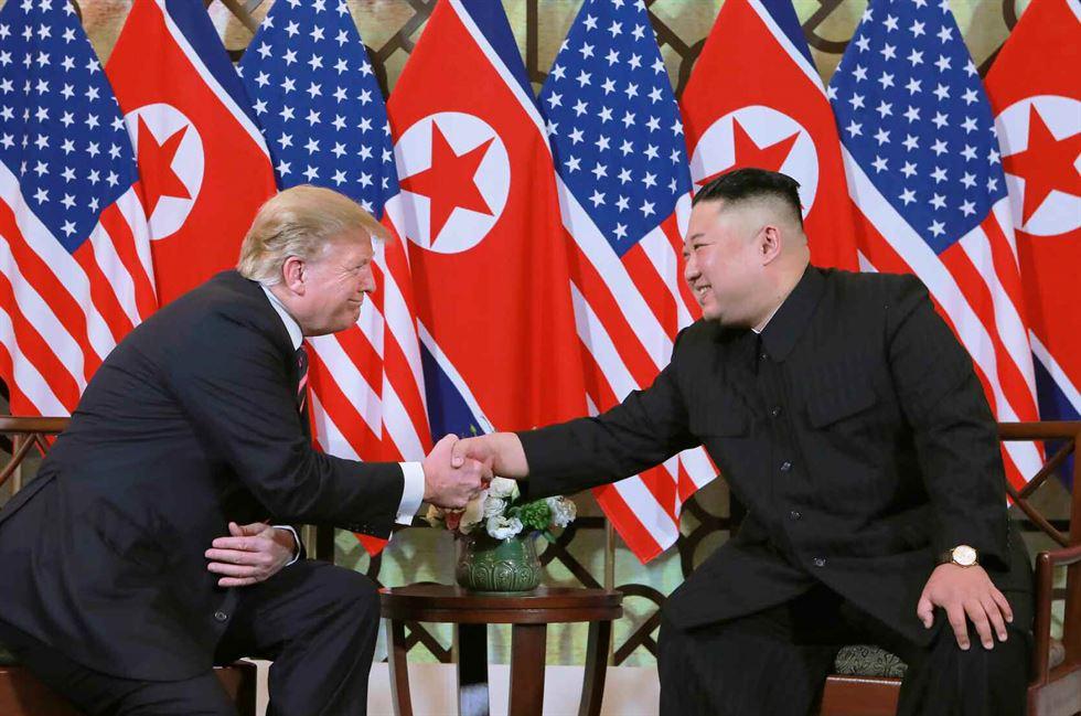 North Korean leader Kim Jong-un attends a wreath laying ceremony at a navy memorial in Vladivostok, Russia, April 26, 2019. Reuters-Yonhap