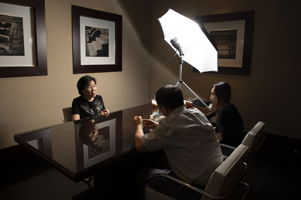 Professor Choi Jung-wha speaks during the interview with The Korea Times on Friday at the Grand Hyatt Seoul. Korea Times photo by Choi Won-suk