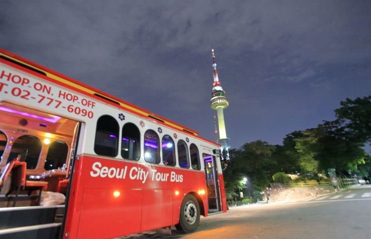 A Seoul City Tour Bus is parked near N Seoul Tower on Mount Nam. / Courtesy of Seoul City Tour Bus