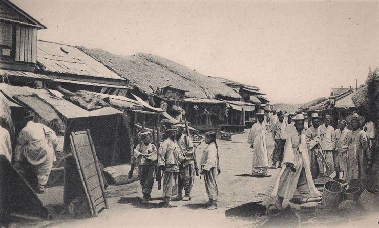 The streets of Wonsan in the late 1890s. / Robert Neff collection