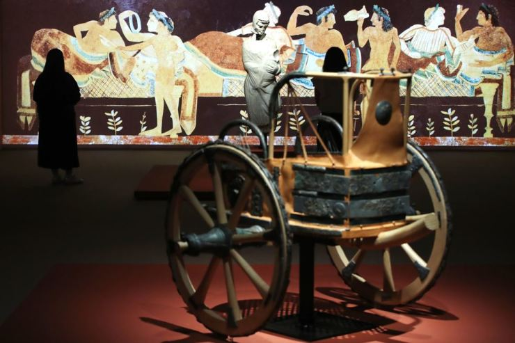 An Etruscan chariot dating back to the 7th century B.C. is on view at the National Museum of Korea. Yonhap