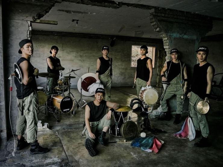 Traditional Korean percussion group Jin Myung will present their one-hour performance 'Beat the Rhythm' at Mapo Art Center in Seoul on Aug. 2. Courtesy of Jin Myung