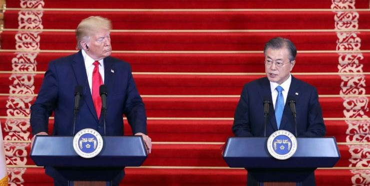 President Moon Jae-in delivers a speech at a joint press conference with U.S. President Donald Trump after their eighth summit at Cheong Wa Dae, June 30, on the second day of Trump's two-day visit to Seoul. Yonhap