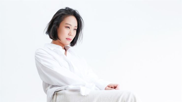 Pianist Son Yeol-eum makes her international debut at BBC Proms on July 23 with the BBC Philharmonic Orchestra. She will play Mozart's Piano Concerto No. 15. Courtesy of Woongchul An