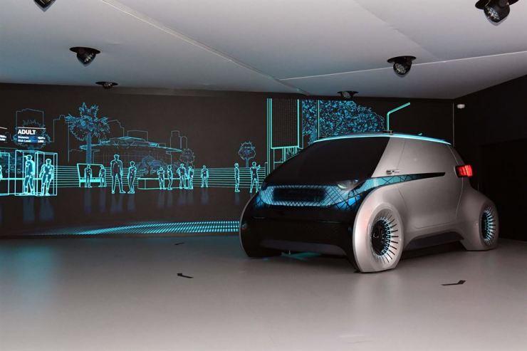 Hyundai Mobis' concept autonomous car M.Vision equipped with the camera monitor system / Courtesy of Hyundai Mobis