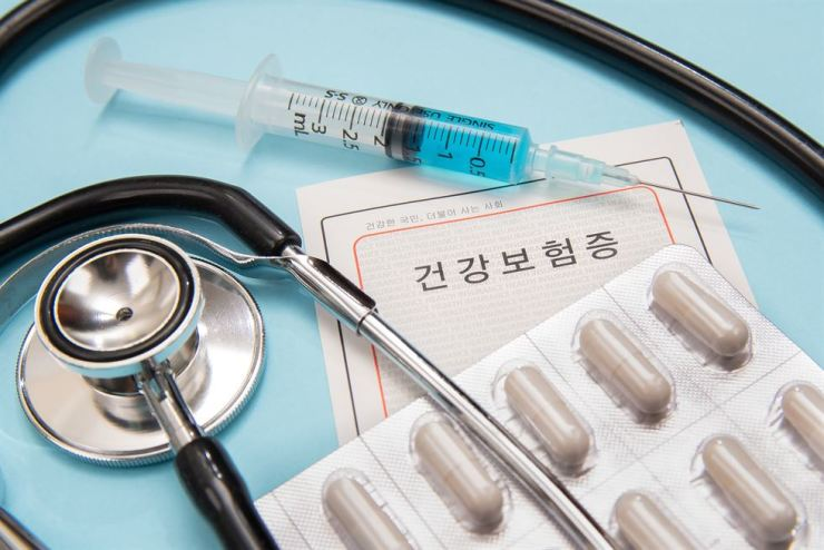 Foreign residents in Korea who default on state health insurance fees will be required to personally pay for all medical costs. Gettyimagesbank