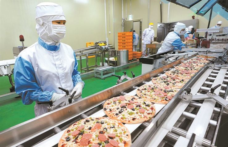 Shinsegae Food's frozen pizza production line at Osan 2 production facility / Courtesy of Shinsegae Food