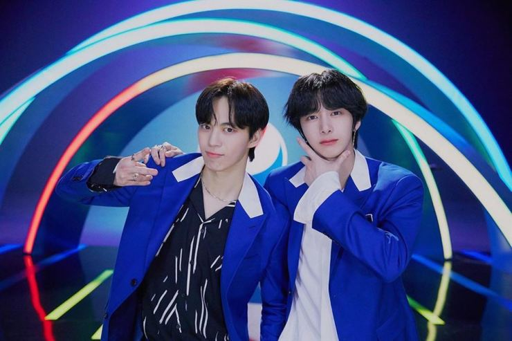 Hongbin, left, of VIXX and Hyungwon of Monsta X released their song 'Cool Love' on Wednesday evening. Captured from Instagram @official_monsta_x