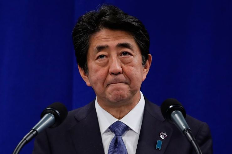 Japan's Prime Minister Shinzo Abe addresses media representatives at a press conference at La Gare du Midi in Biarritz, south-west France on August 26, 2019, on the third day of the annual G7 Summit attended by the leaders of the world's seven richest democracies, Britain, Canada, France, Germany, Italy, Japan and the United States. AFP-Yonhap
